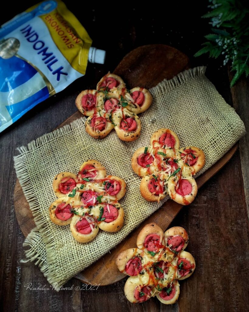 Cara Membuat KOREAN GARLIC SAUSAGE FLOWER BREAD Creative Food id, CreativeFood, Food Creative, traditional food