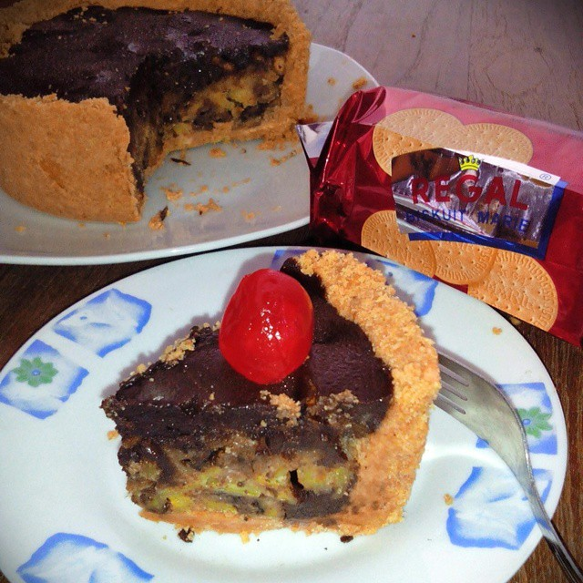 Cara Membuat Regal Banana Pie With Chocolate Filling Creative Food id, CreativeFood, Food Creative, traditional food